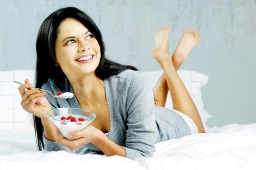 Можно ли употреблять йогурт на диете?