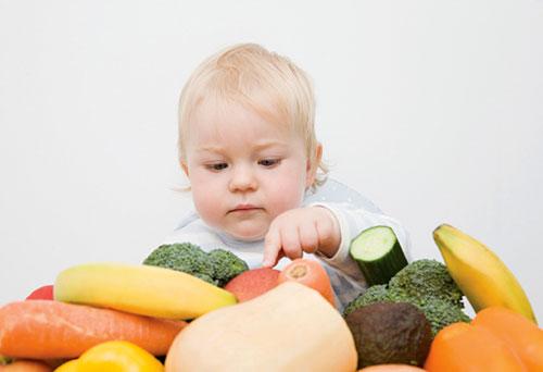 Ребенок и овощи - первая встреча