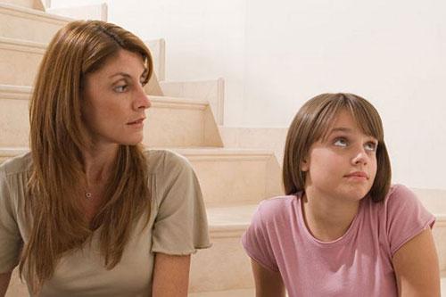 Как уберечь ребенка от раннего полового опыта?