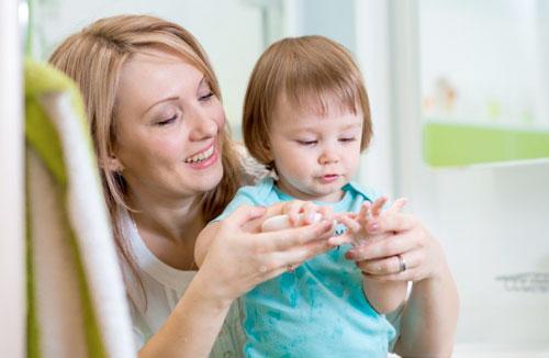 Как регулировать поведение маленького ребенка с помощью игровых ситуаций