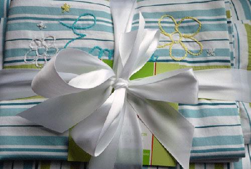 Как вы упаковали постельное на подарок 154