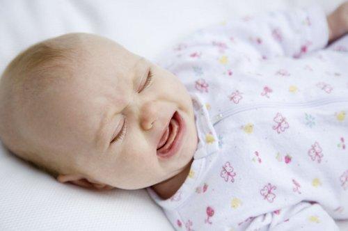 Ребенок 2 месяца беспокойный